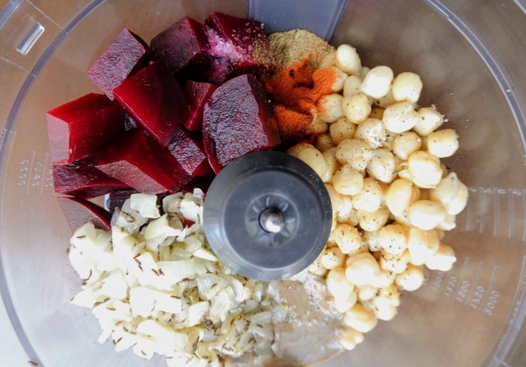 хумус с червено цвекло