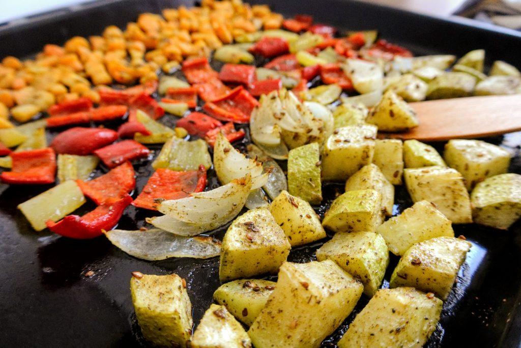 печени зеленчуци със арабски подправки за'атар