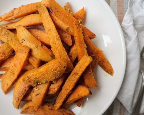 Домашни уеджис от сладък картоф